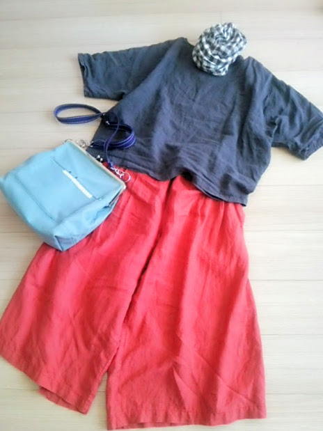 40代のからのリネン服、ぶかぶかだから、涼しい〜。ぶかぶかだから、リネン服はかわいい。