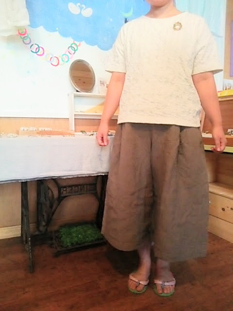 暑い夏こそ、涼しさ抜群のワンシャーリネンのキュロットスカートを。