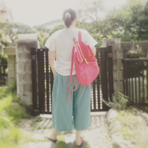 今日みたいな猛暑の日には、涼しく過ごせるワッシャーリネンのキュロットスカートですかね?