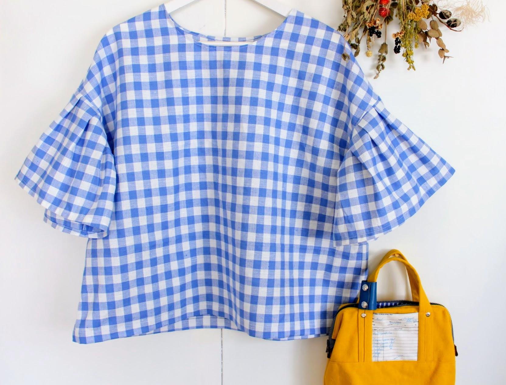 夏のブラウス。ふんわりお袖のブラウス。どの色のリネンがいいかな?