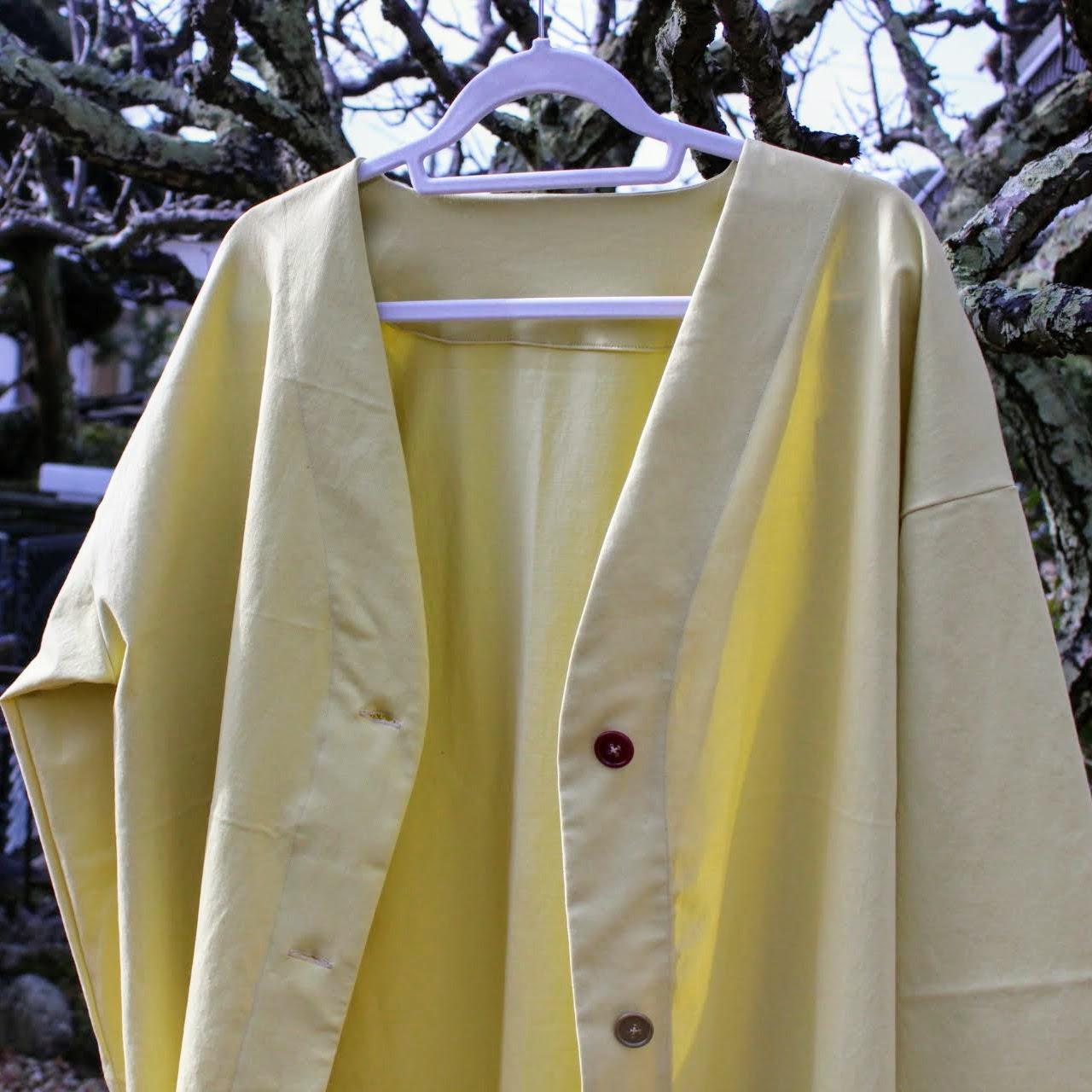 明るめな黄色の生地ではるコート 今月の生地お届け便