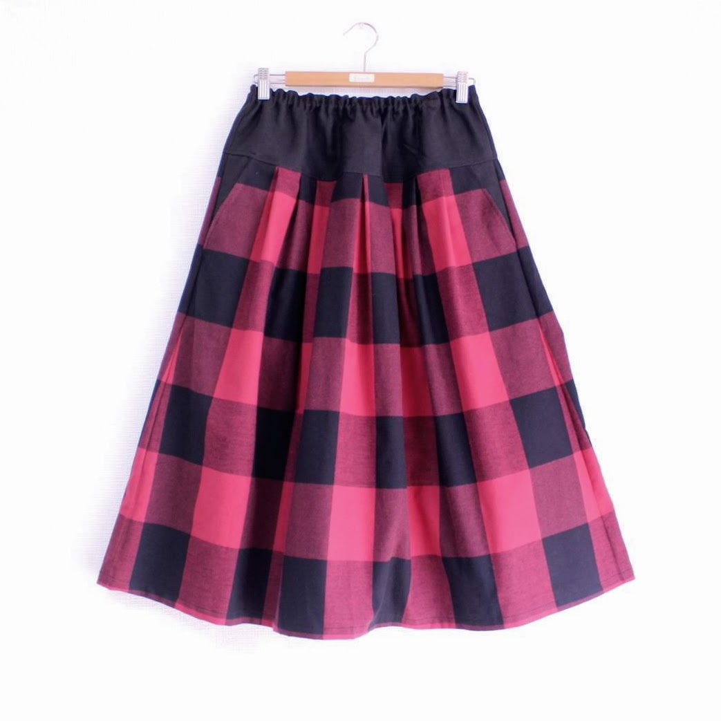 今日出来上がったスカートは、思わず「明日はいて行こうかな」と娘が言ってしまうほどかわいい。