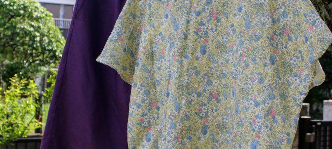 花柄ガーゼの黄色は、紫色のスカートに合わせると秋っぽくなるかな?