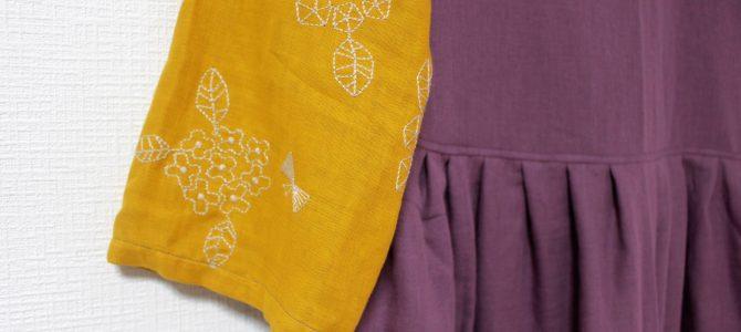 刺繍の生地のお洋服は季節を問わず人気ですね。