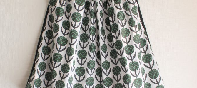 プリント柄のスカートとワンピース アーティチョーク
